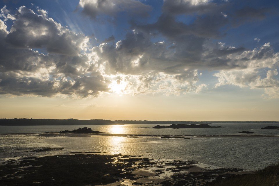 Coucher de soleil en bretagne saint jacut the good troll - A quelle heure se couche le soleil ce soir ...