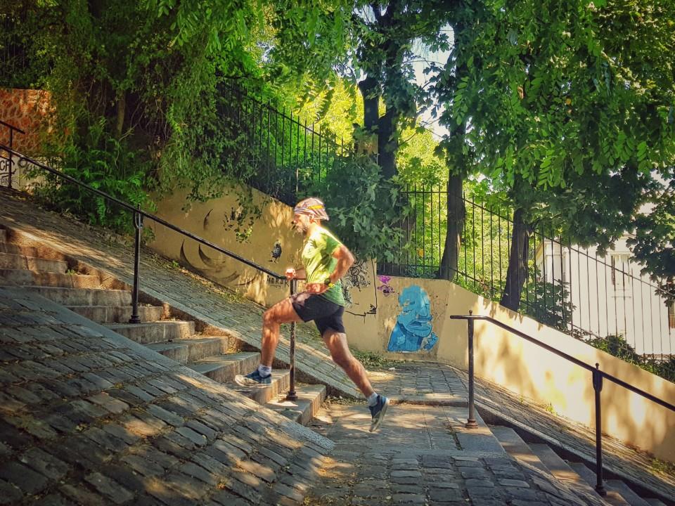 running montmartre